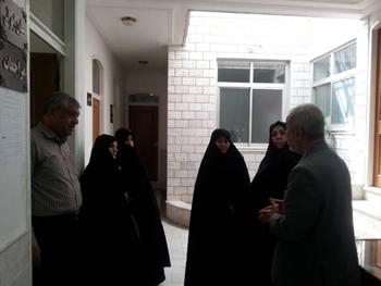 رئیس و اعضای شورای زنان مجمع خیرین سلامت کاشان از موسسه خیریه امدادگران عاشورایی بازدید کردند